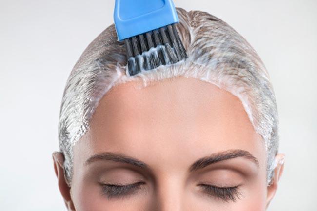 شکنندگی موها بر اثر استفاده زیاد رنگ مو