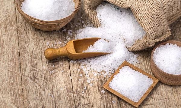 فوایدی که نمک می تواند برای مو و پوست داشته باشد
